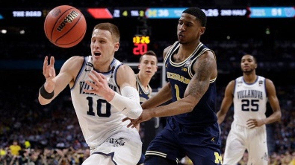 4e26259c7bb Donte DeVincenzo scored 31 points to lead Villanova to a 79-62 win over  Michigan in the NCAA Tournament Championship game. PHOTO CREDIT: AP