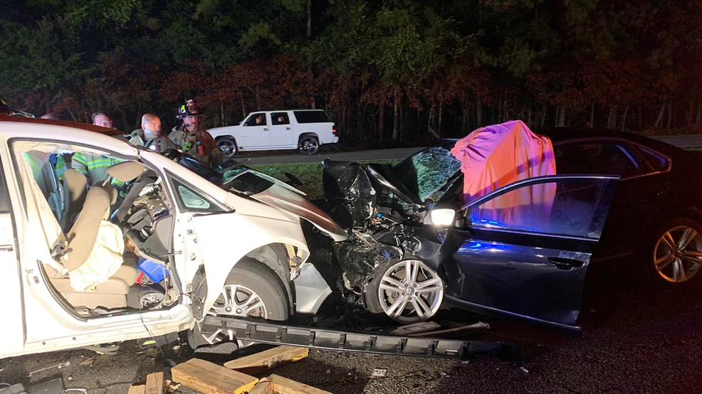 Crash in Georgetown leaves one person dead, one hurt | WPDE