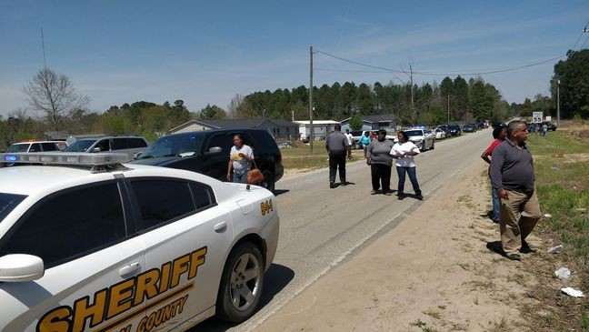 Man dies after shooting on Lester Road in Dillon County   WPDE