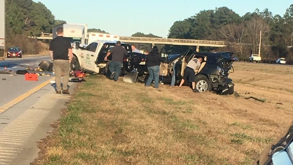 I-95 shut down in Dillon County following multi-car crash | WPDE
